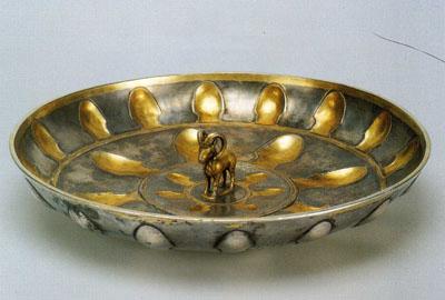 牡羊像の皿